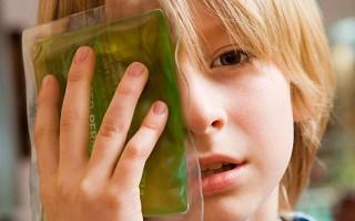 Первые симптомы появления ячменя на глазу
