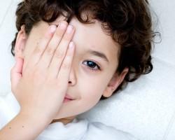 Лечение и методика применения капель от косоглазия