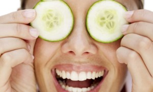 Чем лечить покрасневший глаз в домашних условиях