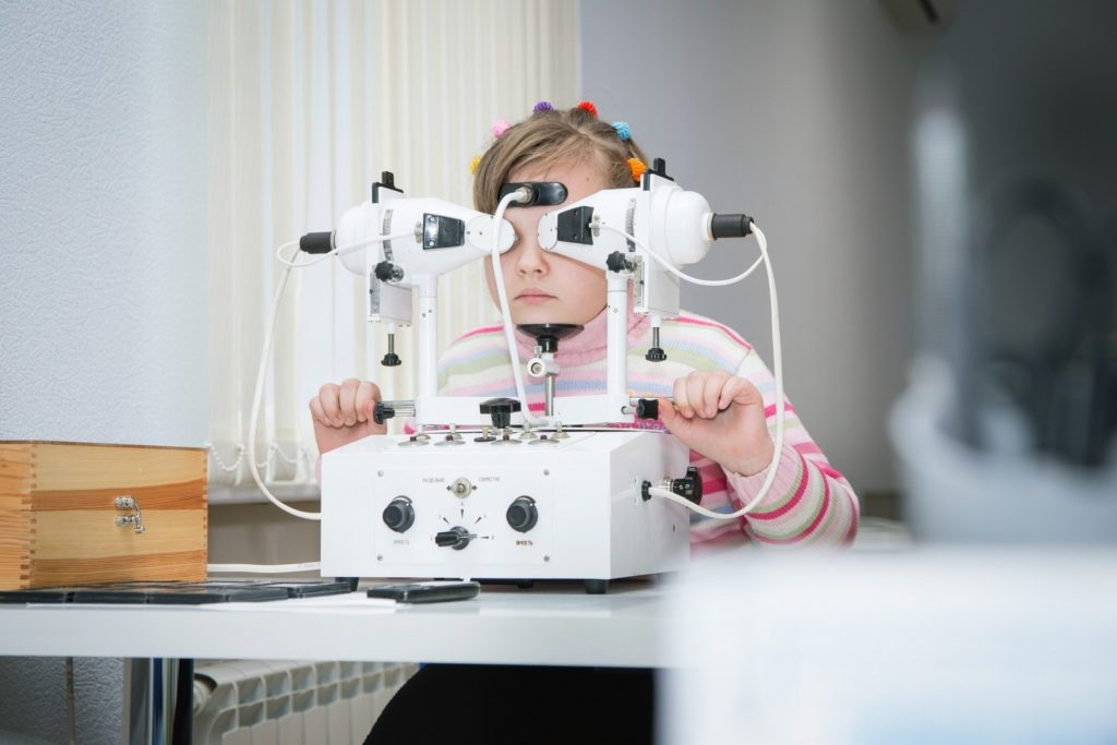 Аппаратная коррекция зрения