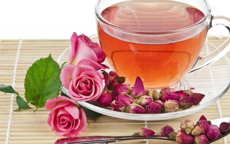 Настой из чайной розы при заболевании глаз