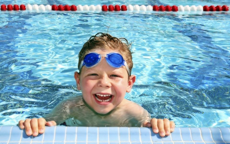 Воспаление глаз от воды в басейне