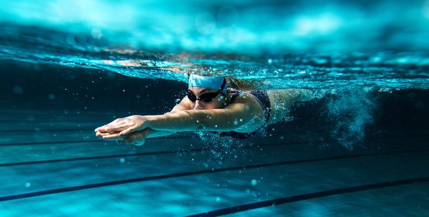 Чистая вода в басейне
