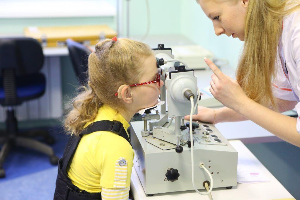 Аппаратное лечение зрения