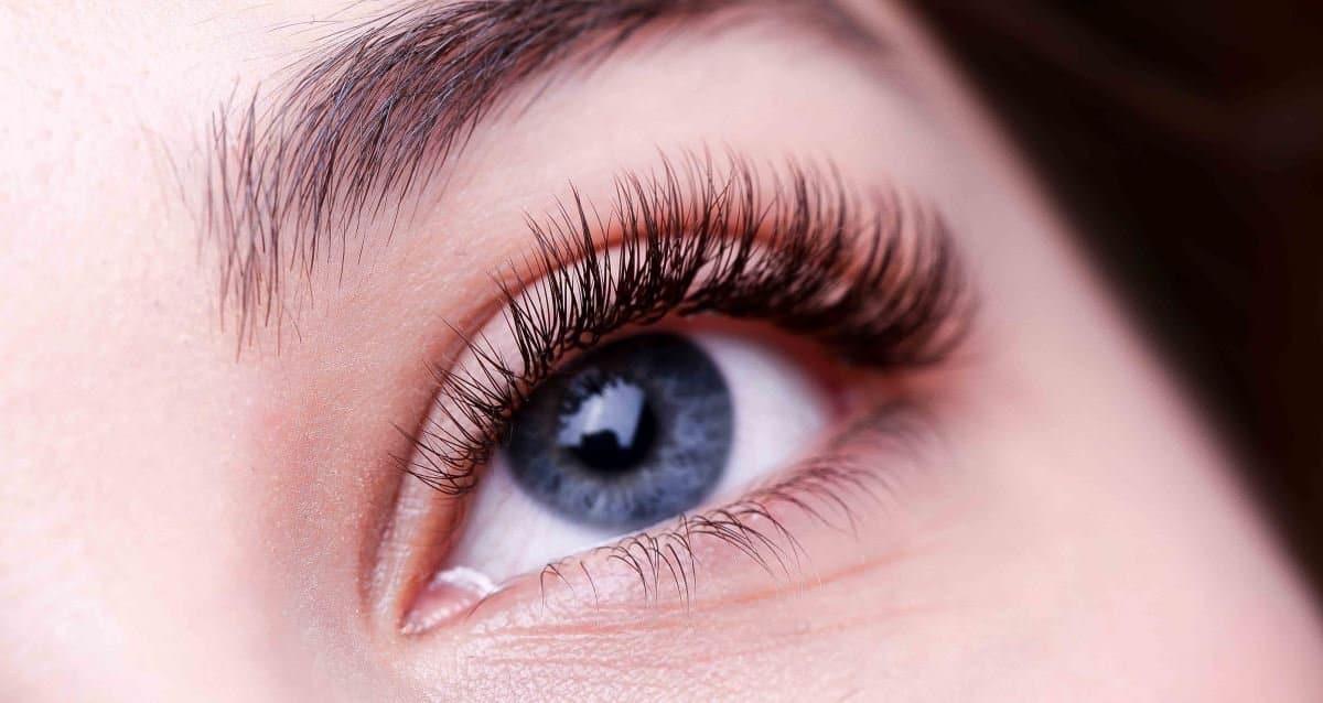 Воспаление глаза после наращивания ресниц