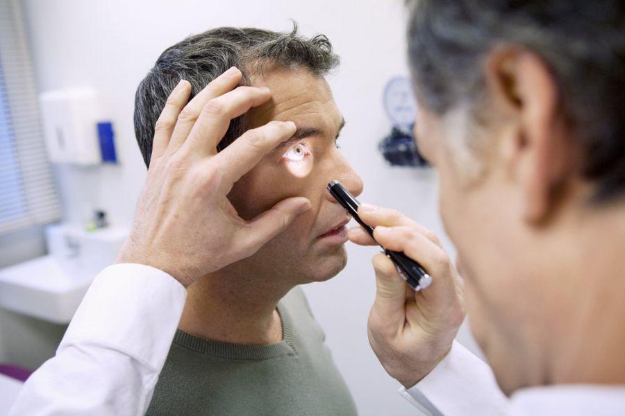 Диагностика кожи под глазами